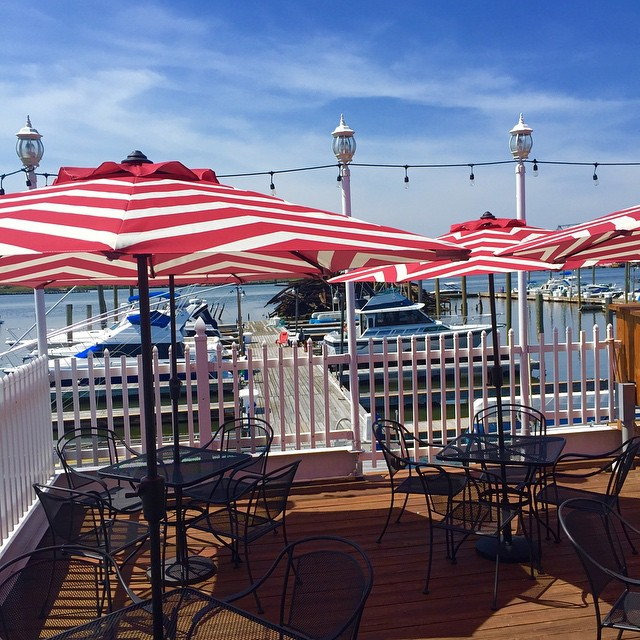 Right Down The Street From Angelinau0027s Is The South Shore Bar And Grill.  Although Both Restaurants Offer Equally Gorgeous Views Of The Outerbridge,  ...